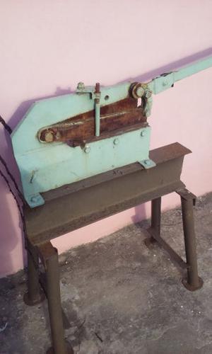 vendo guillotina muy buena