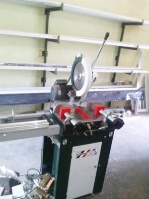Líquido máquinas de carpintería de aluminio