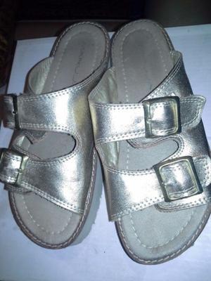 Sandalias Tipo Chinelas Doradas N°37 Plataformas Excelentes