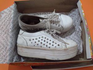 Zapatillas De Mujer Blancas N° 36 Tachas Mary Joe