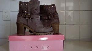 Botas nobuk marca Trazza con tachas