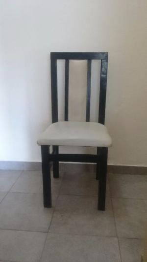 Liquido!!! Juego de 6 sillas de madera.
