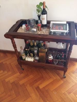 Mesa de bar rodante posot class for Mesa carro bar madera