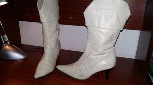 Vendo botas color natural