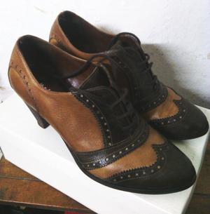 Zapatos de Cuero para mujer. Talla: 38.