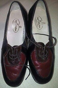 Zapatos de mujer abotinados N° 39 Nuevos !!!!