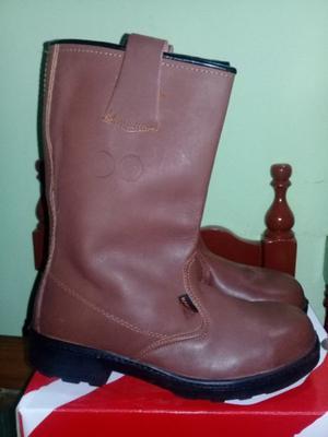 vendo bota de seguridad marca KAMET con punta de aceros