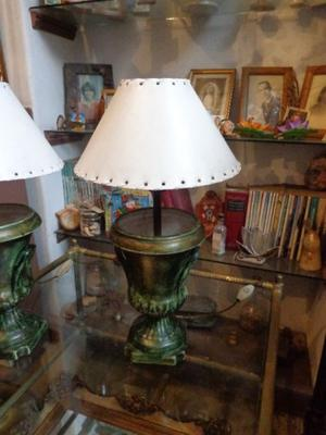 Antigua lámpara de mesa o velador. Antigua Saudade