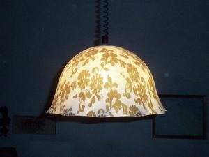 Lámpara de techo de acrílico retro vintage. Usada.