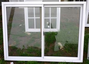 Ventana de 150 x 110 vidrio entero