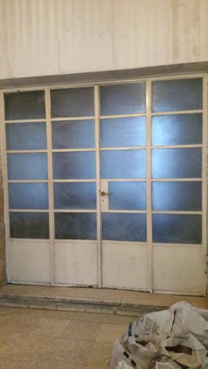Ventanal Puerta de Hierro vidrio repartido
