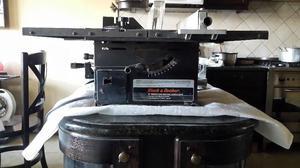 sierra de banco para madera marca black y decker