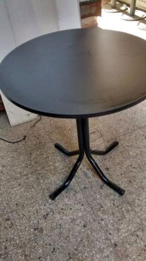 Mesas de bar base metálicas redondas y cuadradas