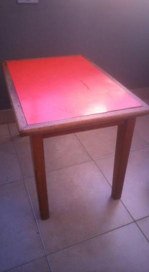 Vendo mesa con silla para chicos