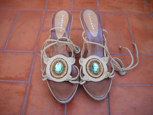 Lote de 3 pares de sandalias $500!!!!