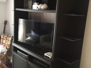 Modular con estantes para tv