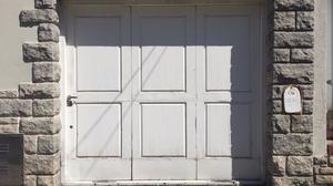 Ventanal con rejas muy buen estado hojas posot class - Porton de garaje ...