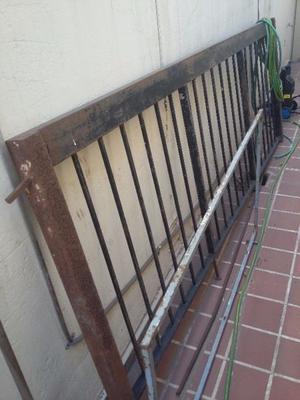 Portón rejas de hierro
