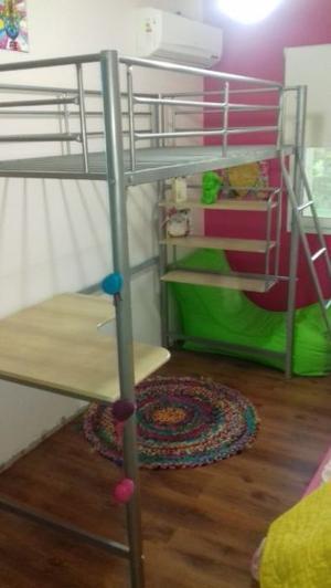 Cama de ca o alta con escritorio posot class for Cama puente con escritorio