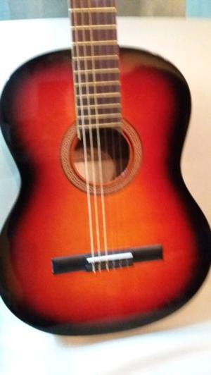 Guitarra criolla nueva sin uso.