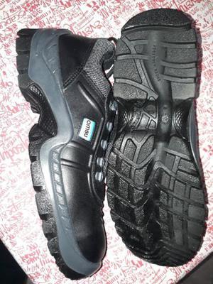 Vendo zapato de trabajo ombu nuevo!!!!
