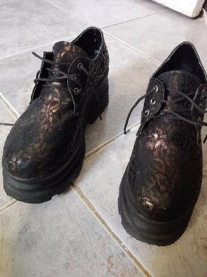 Zapatos negros taco medio
