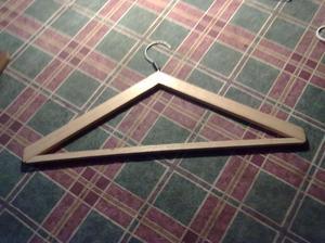 perchas de madera, de plastico de metal y de alambre