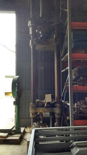 Prensa hidráulica para 350 toneladas