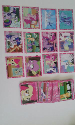 Vendo lote de 117 figuritas diferentes de my little pony