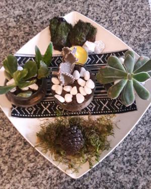 Centro de mesa!! Con vasijitas de vidri con cactus y