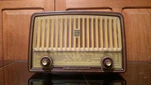 Radio antigua philips funcionando