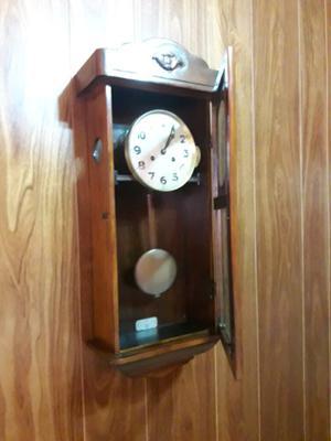 Reloj antiguo pared