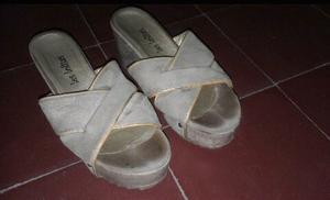 Sandalias o botas numero 36