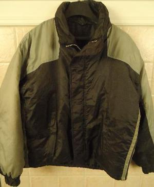 campera para mujer, impermeable, $ 180