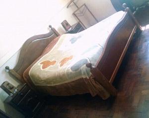 Juego de dormitorio ALGARROBO, muy buen estado $