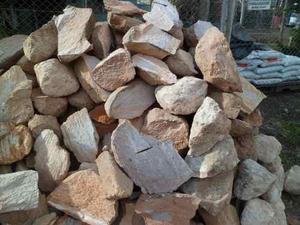 Piedras Pómez En Roca