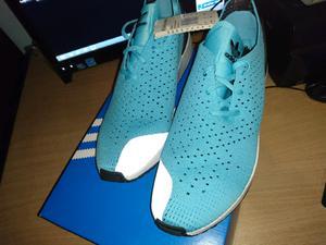 Vendo líquido Zapatillas Adidas N 43 o 43,5 nuevas
