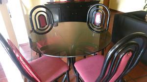 Mesa redonda con vidrio buen buenos aires posot class for Mesa algarrobo usada
