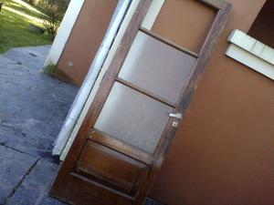 Puerta de cedro en muy buen estado