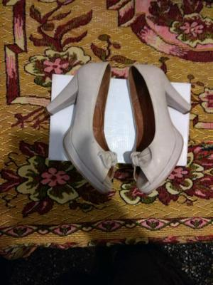 Vendo zapatos de mujer, de cuero, intactos