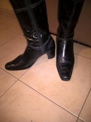 "botas de ""cuero"" caña alta"