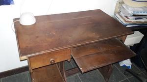 Escritorio o mesa de P.C en algarrobo