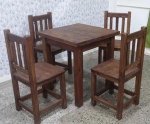 Juego Mesa y 4 sillas de Pino tratado con cetol