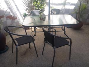Juego de jardin mesa de vidrio y 4 silla con sombrilla