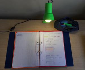 Lámpara con clip para escritorio