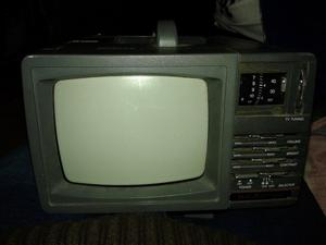 antiguo tv y radio. a reparar