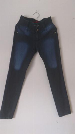 Pantalón vaquero, color azul, talle 44