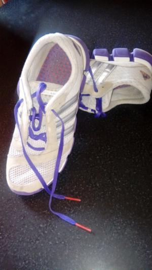 Zapatillas adidas usadas en excelente estado