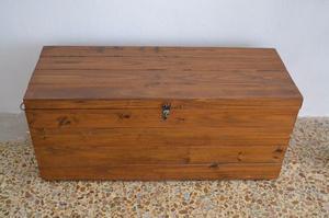 Baul de madera de pino excelente estado