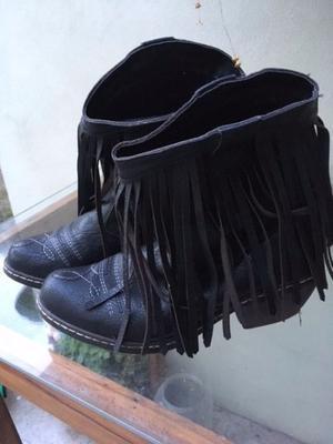 Botas de cuero negras estilo texanas